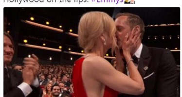 14 Hilarious Reactions To Nicole Kidman and Alexander Skarsgård's Kiss At The 2017 Emmys