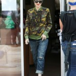Gwen Stefani leaving a nail salon in West Hollywood. (Photo: WENN)