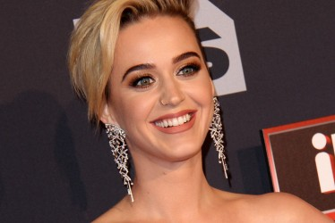 23 Pictures Of Katy Perry's Changing Style and Fashion