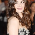 Rachel Weisz has mastered that effortless elegance with not-too-perfect brows. (Photo: WENN)