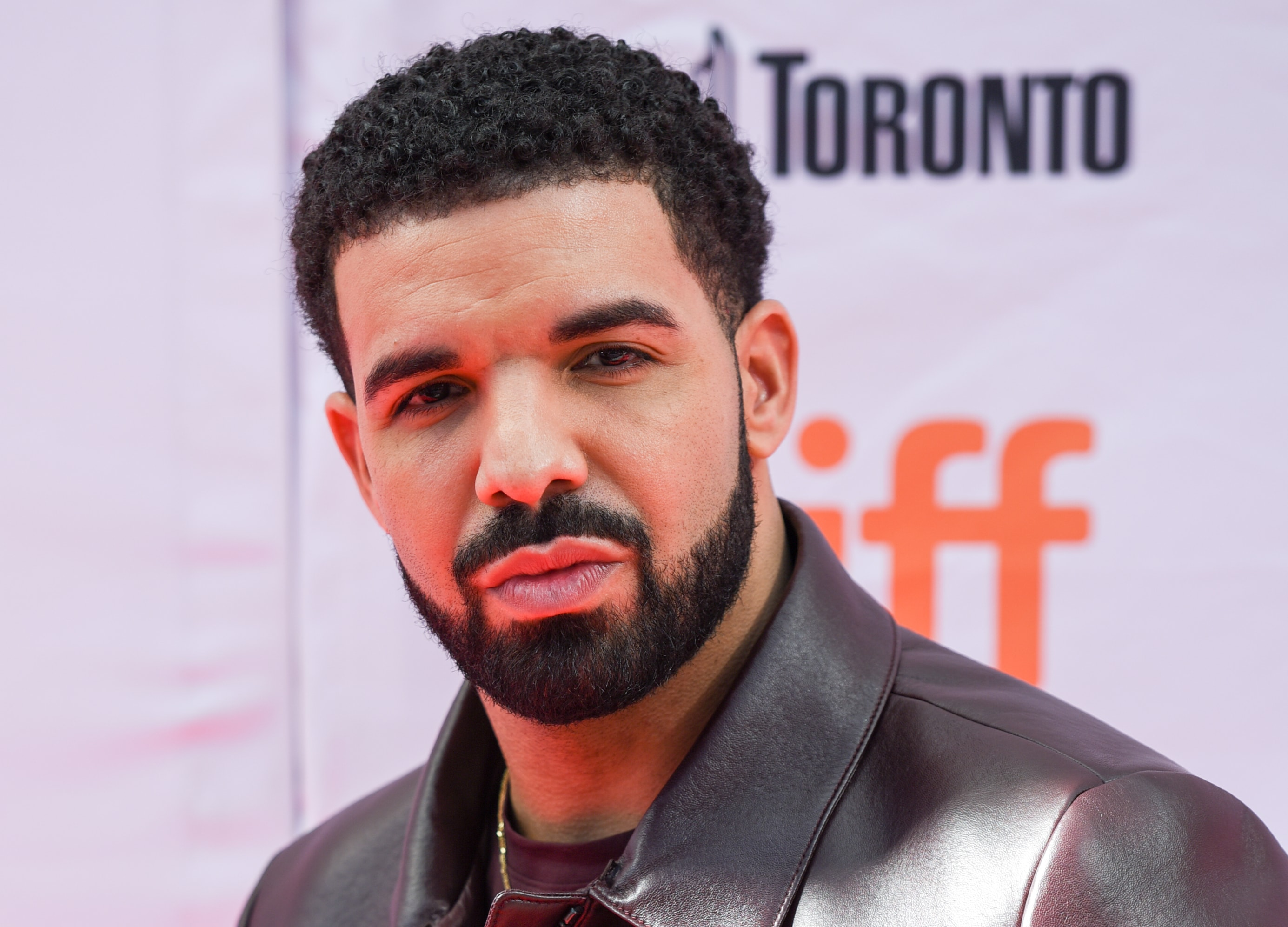 It's Drake's 31st birthday! And here are 10 facts about the rapper that will make you love him even more! (Photo: WENN)