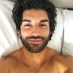 The handsome Justin Baldoni plays Rafael Solano in the sitcom Jante The Virgin. He's the owner of the Marbella hotel, one of Jane's love interest, the father of Mateo, and the king of our hearts! (Photo: Instagram)