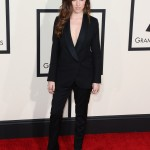 Anna Kendrick in a Band of Outsiders suit at the 2015 Grammy Awards. (Photo: WENN)