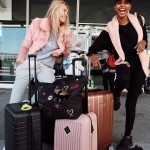 Jasmine's airport shenanigans with Romee Strijd. (Photo: Instagram)