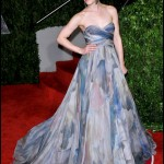 Rachel's printed Elie Saab gown turned heads at the 2010 Vanity Fair Oscars party. (Photo: WENN)