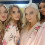 On Mondays, Romee, Martha, Karlie and Lais wear pink! (Photo: Instagram)