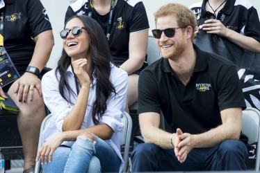 Best Twitter Reactions To Prince Harry and Meghan Markle's Engagement