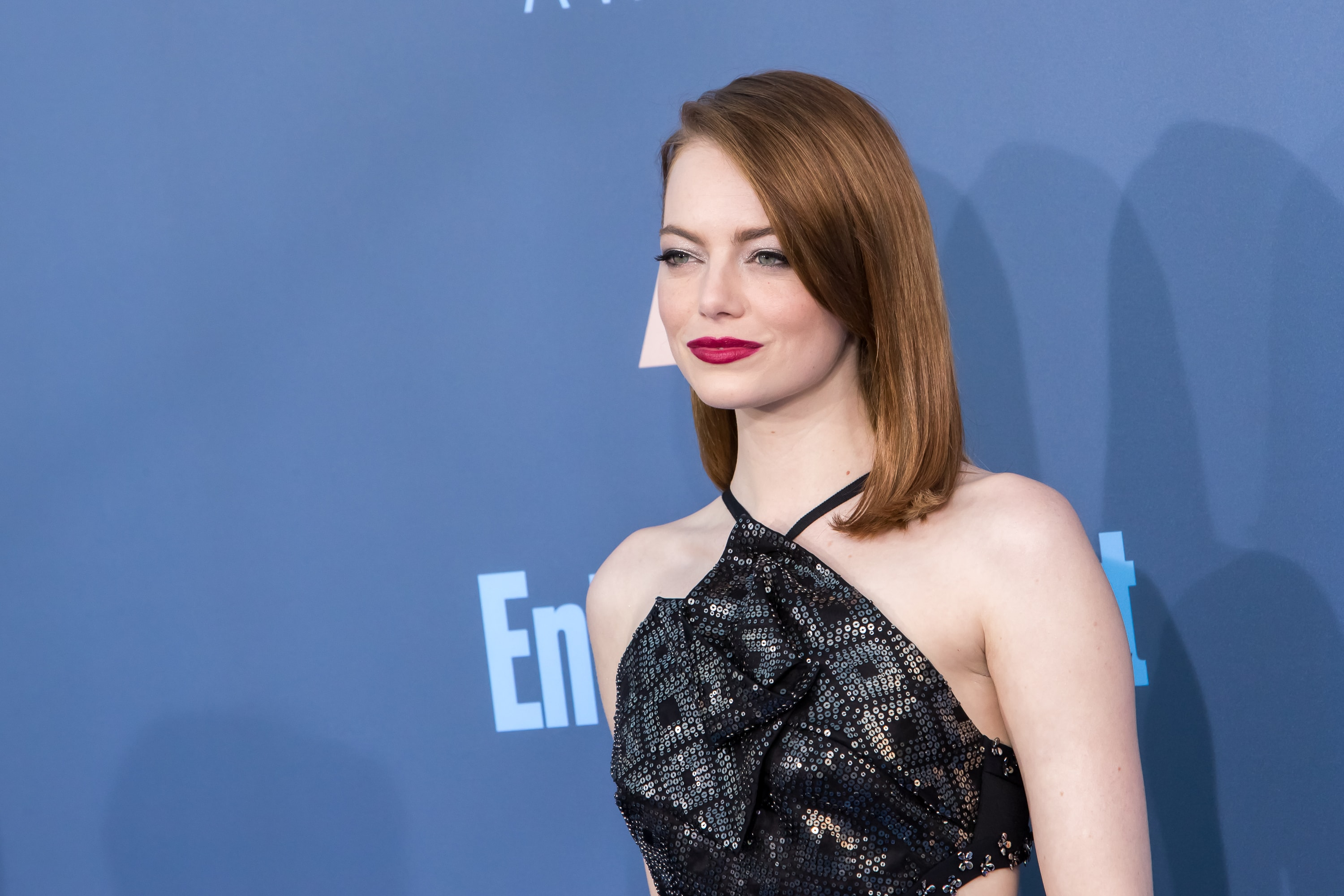 Celebrating her 29th birthday, here are Emma Stone's best red carpet looks of 2017. (Photo: WENN)