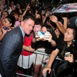 "Channing Tatum posing with the crowd during the New York premiere of ""22 Jump Street"". (Photo: WENN)"