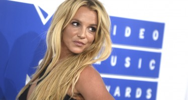"Surprise! Britney Is Taking Her Las Vegas Show ""Piece Of Me"" On Tour Around The World"