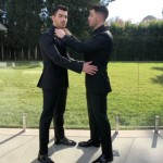 """Joe Jonas posted a quick sanp of the """"final touches"""" as he and Nick got ready to walk down the red carpet of the 2018 Golden Globes. (Photo: Instagram)"""