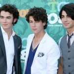 It's 2008—no, scratch that—year 3000 all over again! The Jonas Brother may be making a comeback and social media is freaking out. (Photo: WENN)