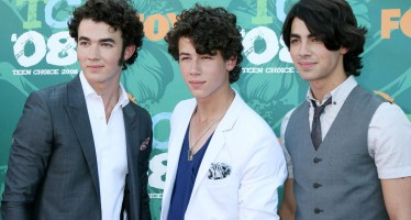 The Jonas Brothers Have Re-Activated Their Instagram And It's 2008 All Over Again