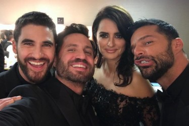 The Best 22 Behind-The-Scenes Instagrams At The 2018 Golden Globes