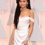Zendaya proudly wearing a head full of dreads at the 2015 Oscars red carpet. (Photo: WENN)