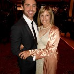 Good son Zac Efron celebrated his mom's birthday with this cute picture he shared over the weekend. (Photo: Instagram)