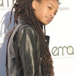 Willow Smith rocking long, beautiful dreads at the red carpet of the 27th annual EMA Awards. (Photo: WENN)