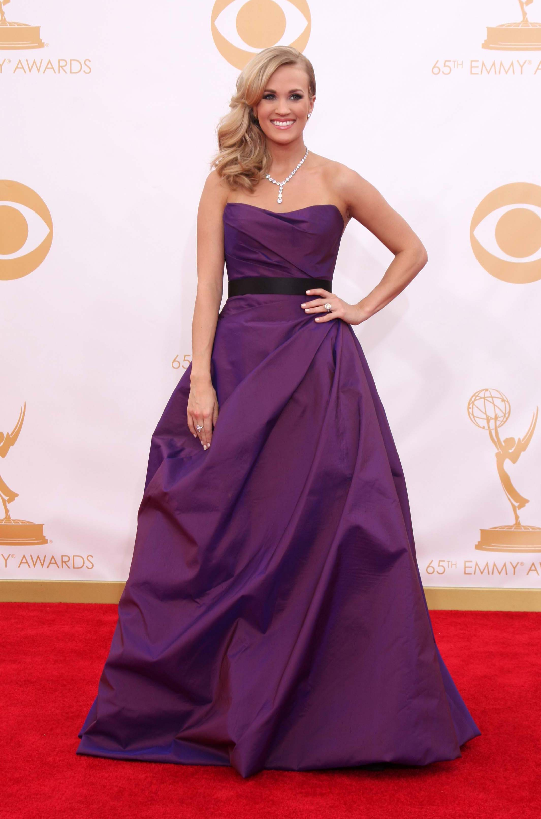 Carrie Underwood Popped Up At The 2017 Emmys Wearing A Voluminous Iridescent Deep Plum Ball Gown