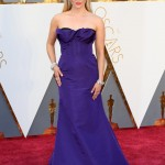 Reese Witherspoon picked a jaw-dropping Oscar de la Renta couture purple gown for the 2016 Oscars red carpet. (Photo: WENN)