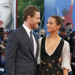 """Newlyweds Michael Fassbender and Alicia Vikander totally in love at the """"The Light Between the Oceans"""" premiere. (Photo: WENN)"""