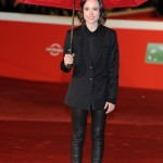 "Ellen Page standing under the pouring rain at the red carpet of the ""Freeheld"" premiere at the 10th Rome Film Festival. (Photo: WENN)"