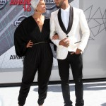 Alicia Keys and Swizz Beats lost in each other eyes at the BET Awards red carpet. (Photo: WENN)
