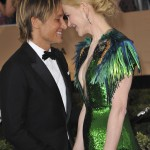 Keith Urban and wife Nicole Kidman enjoying their enviable love at the red carpet of the SAG awards. (Photo: WENN)