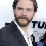 The Cloverfield Paradox star Daniel Brühl makes our knees go weak every time he speaks in English, Spanish, or German… (Photo: WENN)
