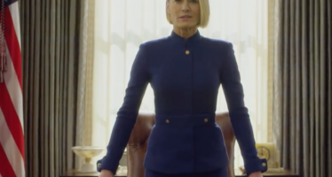 """Hail To The Chief! Claire Underwood Takes Over The White House In New """"House of Cards"""" Teaser And Twitter Has Mixed Feelings"""
