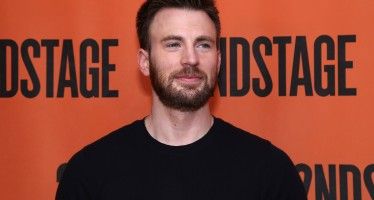Chris Evans Is Now Rocking A 'Stache And The Internet Has Mixed Feelings