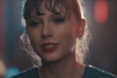 "Twitter Finds Taylor Swift's ""Delicate"" Music Video Extremely Relatable"