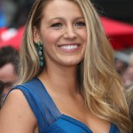 The ever-so-flawless blonde beauty Blake Lively sports a mole just adjacent to the nose—a subtle accent we bet Ryan Reynolds loves! (Photo: WENN)