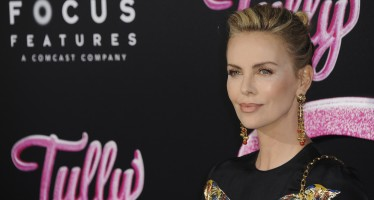 "This Is What Charlize Theron Did To Gain 50 Lbs In Just Three Months For her New Movie ""Tully"""