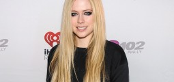 "Not So ""Complicated"": Avril Lavigne Wants Everyone To Be Able To Relate To Her New Music"