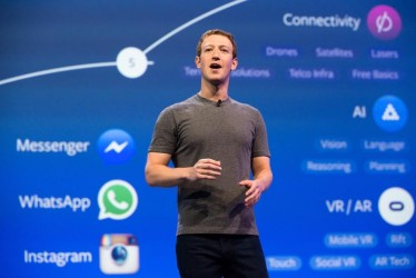 """Mark Zuckerberg Couldn't Keep His """"Booster Seat"""" Private And That's The Only Meme You Need Today"""
