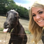Carrie Underwood took a #goatselfie (but she missed the memo to stick out her tongue too!). (Photo: Instagram)