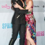"""Disney girls stick together! Selena and Vanessa hugging at the red carpet of the premiere of """"Spring Breakers."""" (Photo: WENN)"""