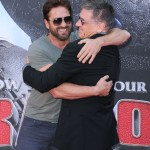 How to train your dragon? More like how to hug Craig Ferguson in a red carpet! Let Gerard Butler teach you… (Photo: WENN)