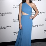 "The ""Wonder Woman"" actress wowed in cutout blue gown with a leg-baring slit by fashion designer Elie Saab at the 2018 National Board of Review Awards gala. (Photo: WENN)"