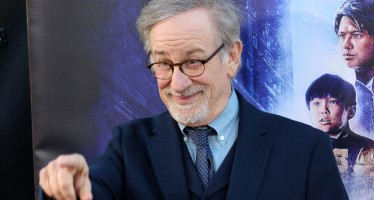 "Spielberg calls Netflix: ""A clear and present danger to film-goers"""