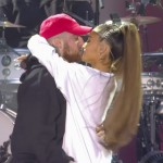 Ariana Grande and Mac Miller even shared a kiss on stage. (Photo: WENN)