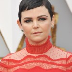 The actress gave her hair edge with super-sharp super-short bangs at the red carpet of the 2017 Oscars. (Photo: WENN)