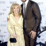 Rapper Drake and his mom Sandi Graham posing for the cameras at the 2011 JUNO Awards. (Photo: WENN)