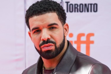 "Drake Admits He Has A Son In ""Scorpio"" And Twitter Is Losing Its Mind"