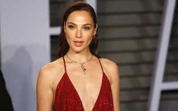 """Gal Gadot Closes Deal To Star Opposite Dwayne Johnson in New Action Film """"Red Notice"""""""