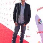 The country singer walking down the red carpet of The Voice Karaoke For Charity. (Photo: WENN)