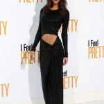 """Ratajkowski showed off her ultra-fit physique in an ab-baring sparkly black gown by Michael Kors at the premiere of """"I Feel Pretty."""" (Photo: WENN)"""