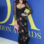 Emily Ratajkowski showed off her svelte figure in floral-print bustier dress by Brock Collection at the 2018 CFDA Awards. (Photo: WENN)