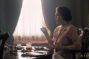 """Queen Olivia Colman Makes Her Debut But """"The Crown Fans"""" Are Still Mourning Claire Foy"""