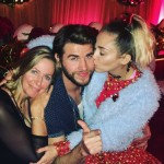 Liam posing alongside his two favorite ladies: her mom and Miley! (Photo: Instagram)